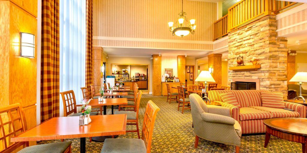 Hotel Lobby Great Room