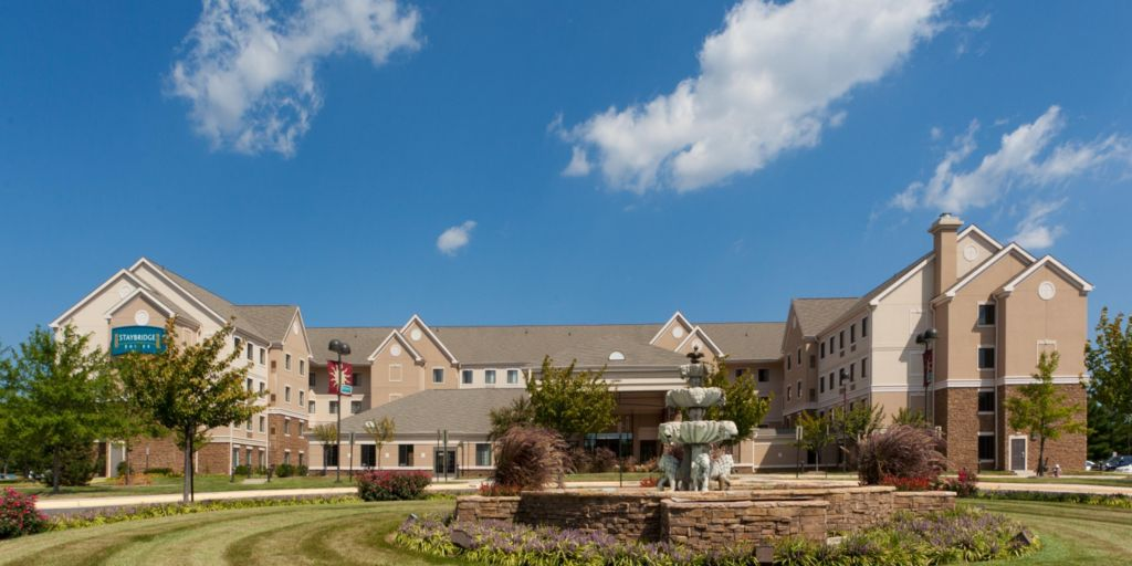 An All Suites Hotel Located Minutes From The Dulles Airport