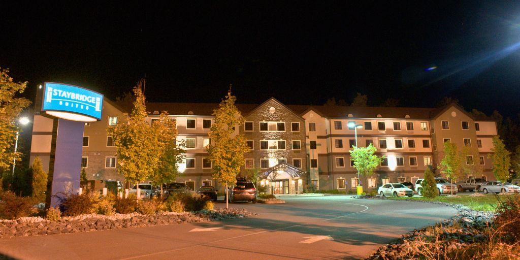 Entrance Exterior Feature Hotel