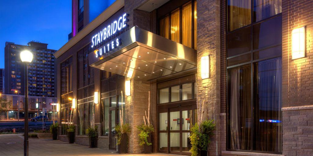 Welcoming Entrance Staybridge Suites Hamilton