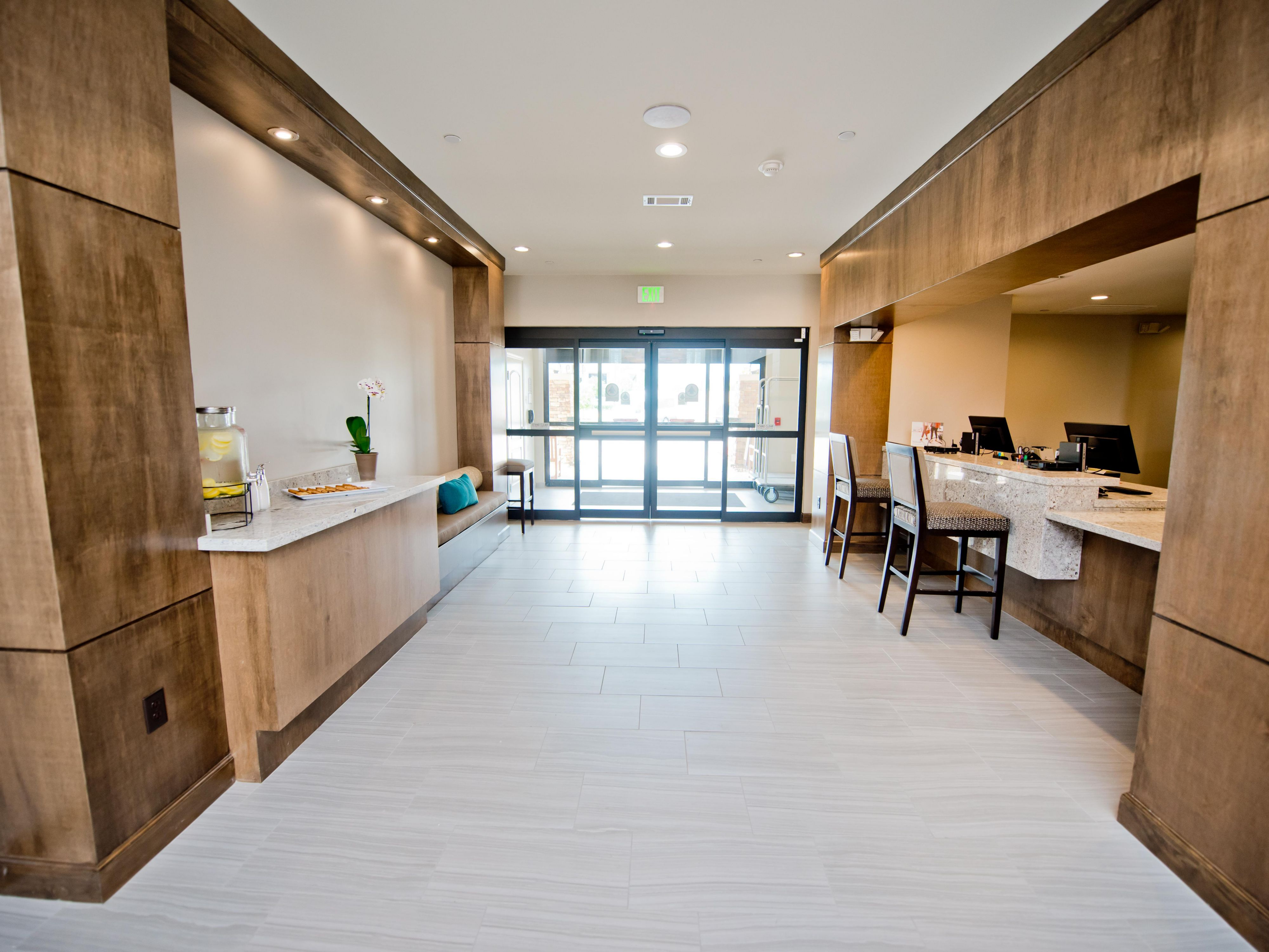 Hotels Near Remington College in Houston, Texas