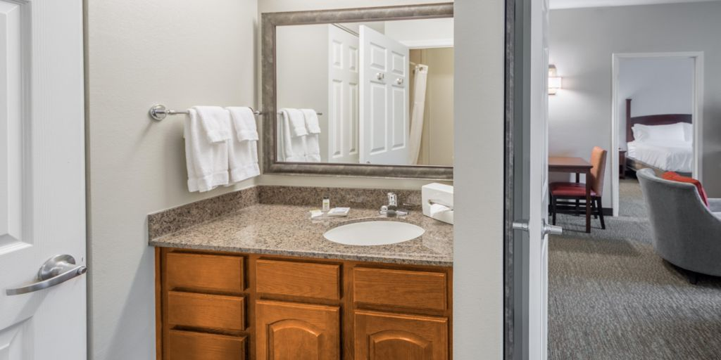 Independence Hotels Staybridge Suites Kansas City Extended Stay Hotel In Missouri