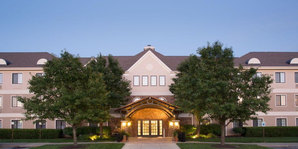 victorian north suites nebraska ne lincoln new hotels st reservations