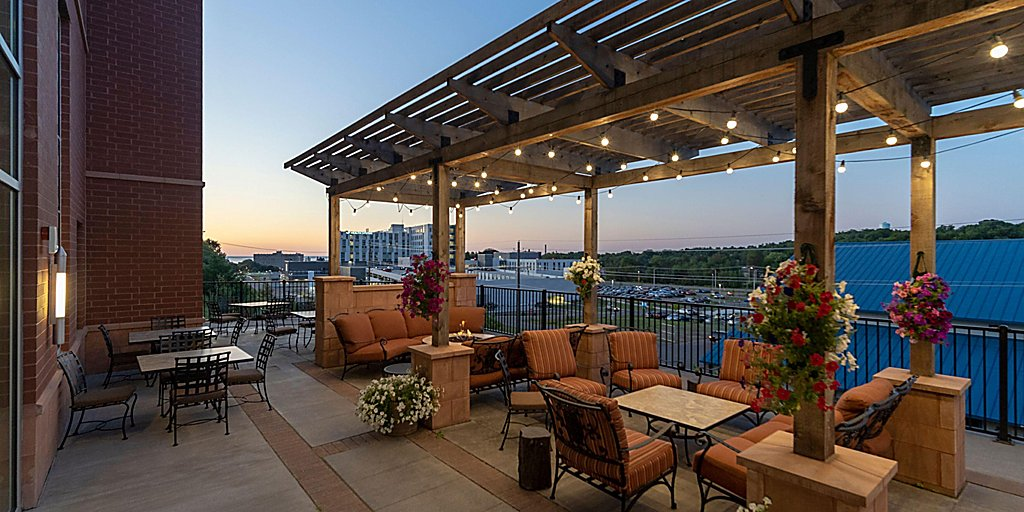 Groovy Staybridge Suites Marquette Free Internet Breakfast Pdpeps Interior Chair Design Pdpepsorg