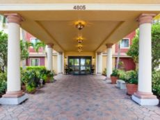 Staybridge Suites Naples-Gulf Coast in Naples, Florida