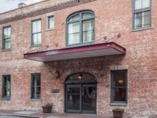 Staybridge Suites Savannah Historic District